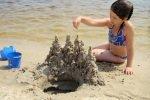 После посещения пляжа нужно тщательно мыть руки