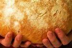 Украинцам советуют есть хлеб с йодом