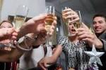 Эксперты: в праздники ешьте и пейте на здоровье!