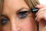 Современных женщин одолела макияжная фобия