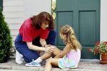 Реакция ребенка на боль зависит от родителей