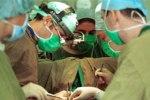 Российские врачи провели сложнейшую операцию, удалив опухоль головы, не вск ...