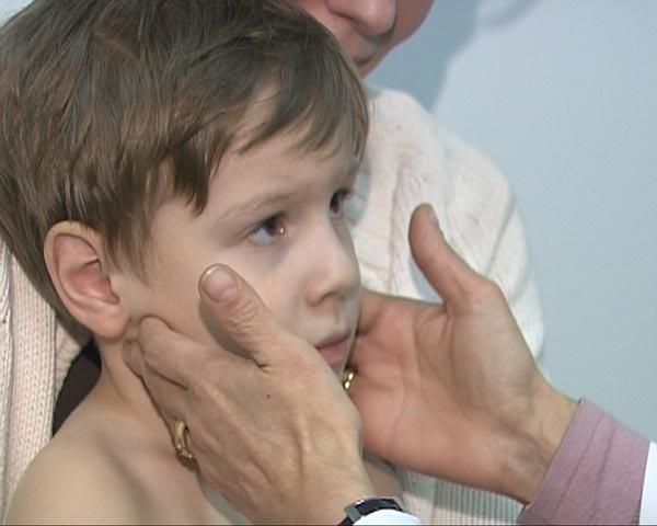 Болит живот у ребенка как лечить