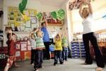 Необычный эксперимент: в британских школах вводят йогу для четырехлетних детей