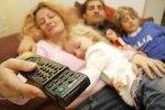 Врачи призывают американцев прекратить усаживать малышей перед телевизором