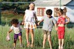 Прогулки на свежем воздухе помогут предотвратить детскую близорукость