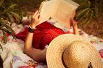 Читать лежа вредно