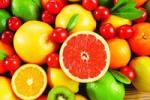 Ешьте фрукты и ягоды, а не соки из них