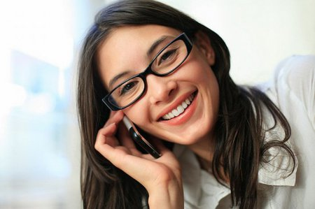Долгий разговор по телефону вызывает боль в руке