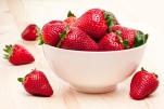 Страшней клубники ягод нет