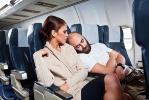 Спать во время полетов на самолете нежелательно