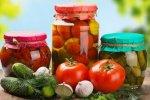 Причиной возникновения рака желудка могут стать консервированные овощи